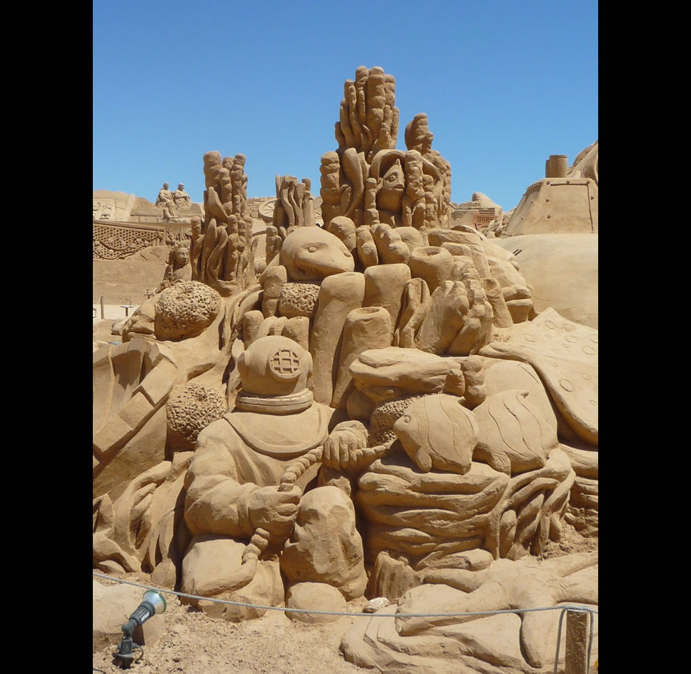 'Discoveries' theme of the 7TH International Sand Sculpture Festival, the exploration of the ocean
