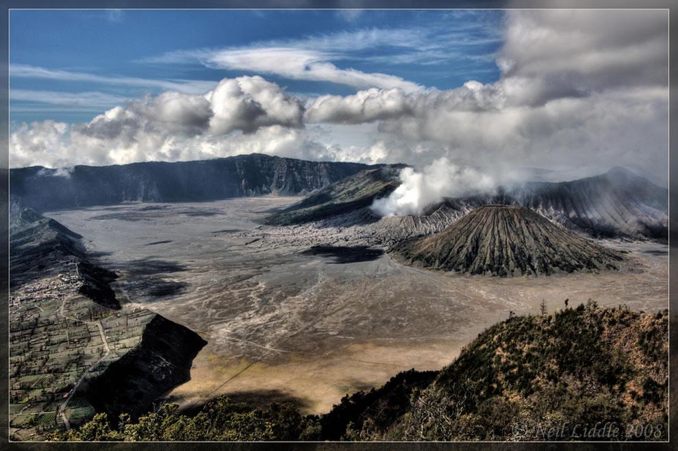 View of the Tengger caldera crater from Penanjakan