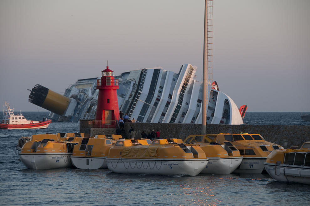 Collision of Costa Concordia January 2012 shipwreck