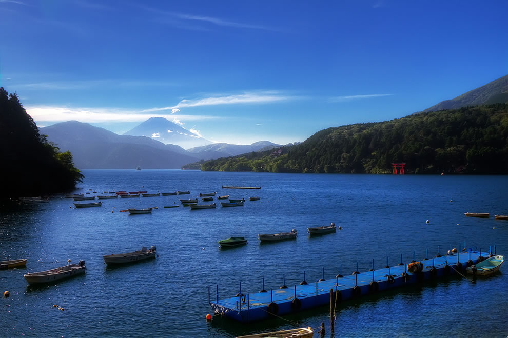Lake Ashi near Motohakone-ko. Mt. Fuji-san can barely be seen from the back as well as the water gate, The-Red-Torii-Gate