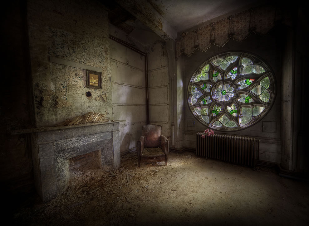 Abandoned manor house,the most classic window of them all i would say