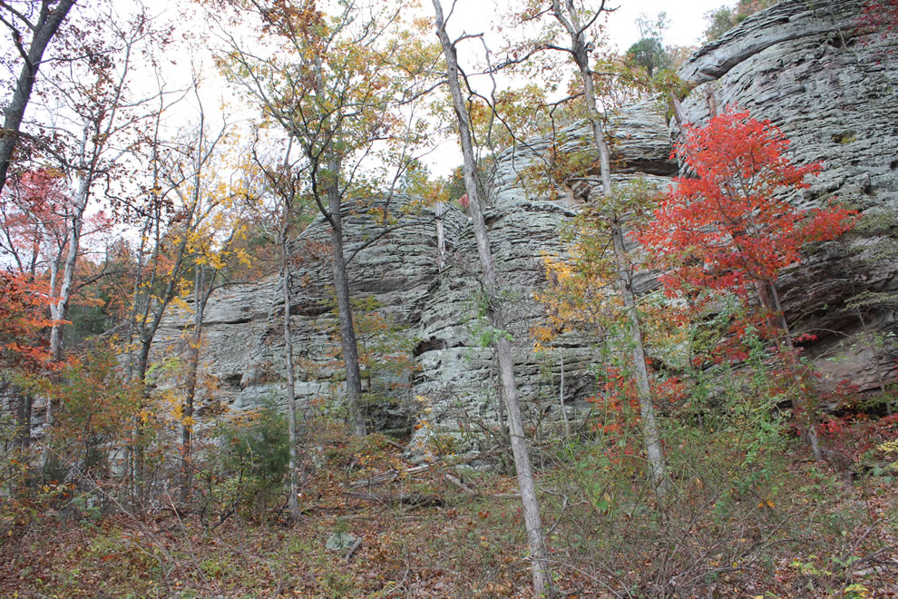 Autumn hiking toward Garden of the Gods