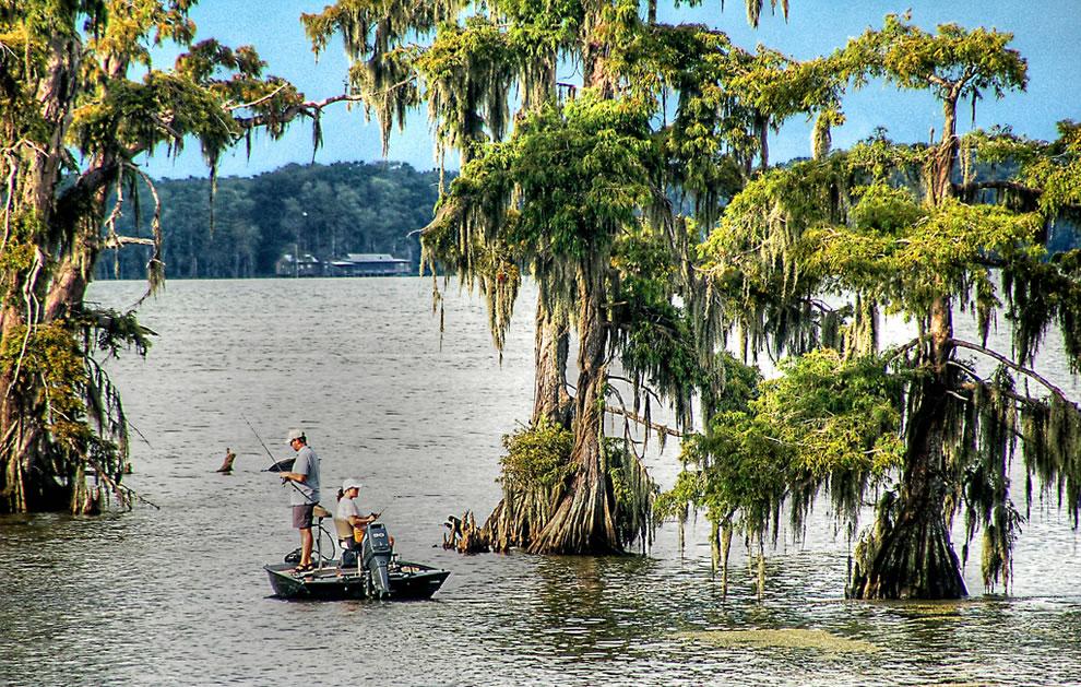 Fishing on Lake Verret