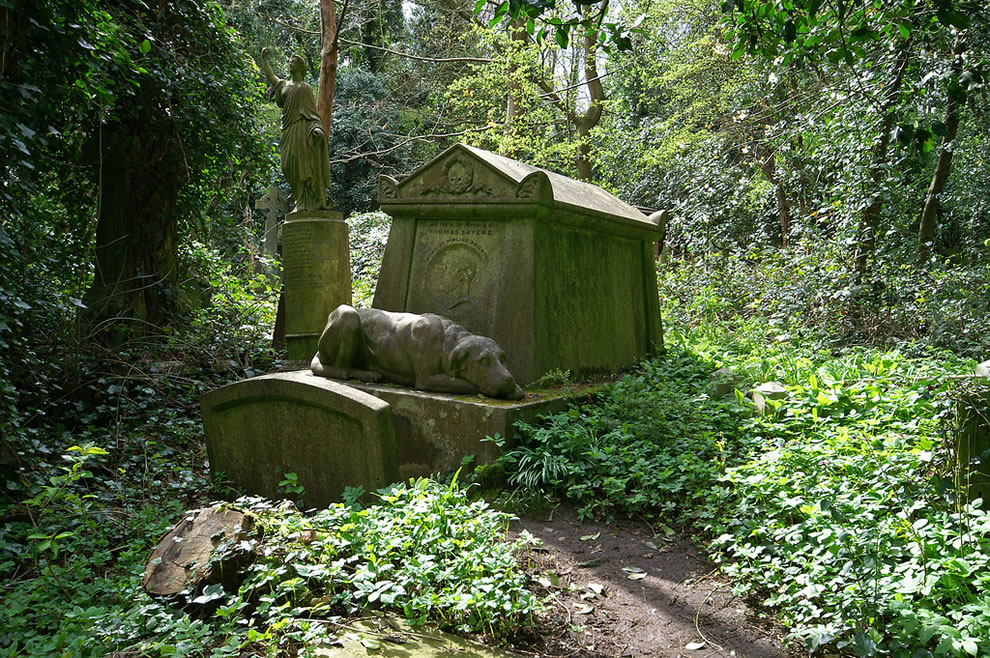 The Tomb Of Thomas Sayers - Bare Fist Fighter - Highgate London