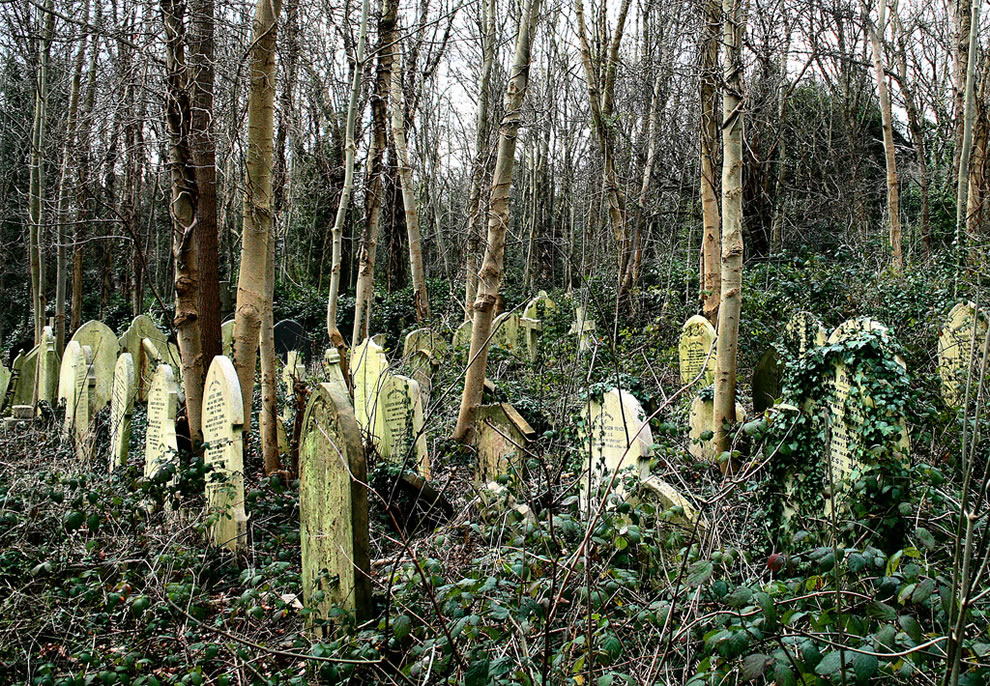 more a haunted wood then a graveyard