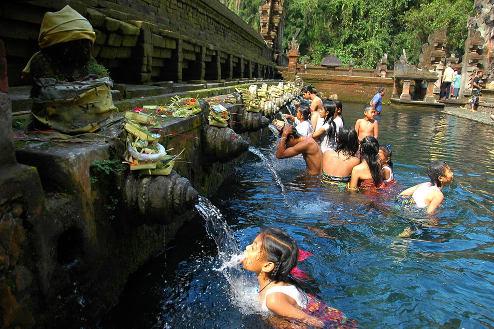 Bathing the healing waters of Tirta Empul temples is considered one of the 6 most important temples in Bali