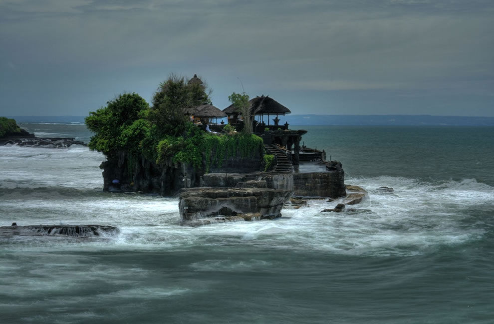 High tide at Pura Tanah Lot (Hindu Temple), Bali, Indonesia