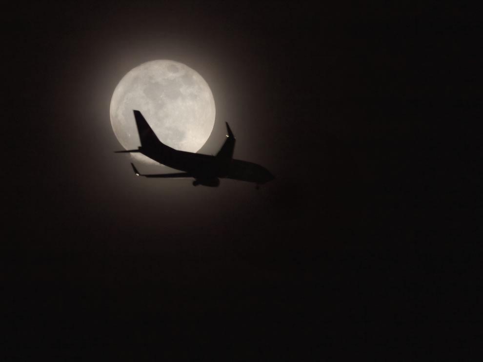 Jet Across the Super Moon