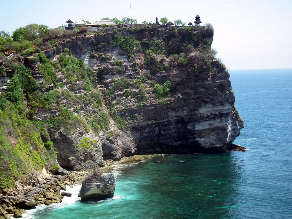 Majestic cliff and Uluwatu Temple