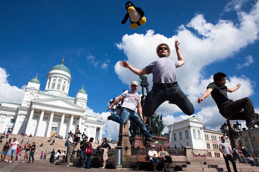 Tux jumps in Helsinki