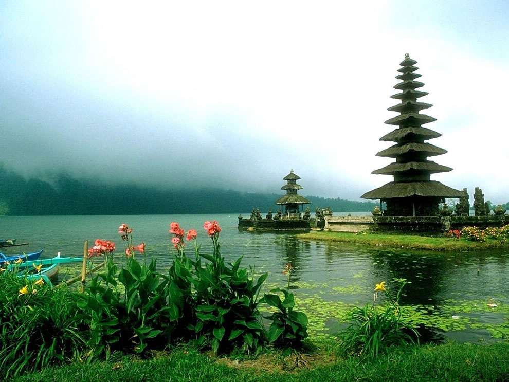 Ulun Danu Temple, beautiful Bali temple, an island of one thousand temples