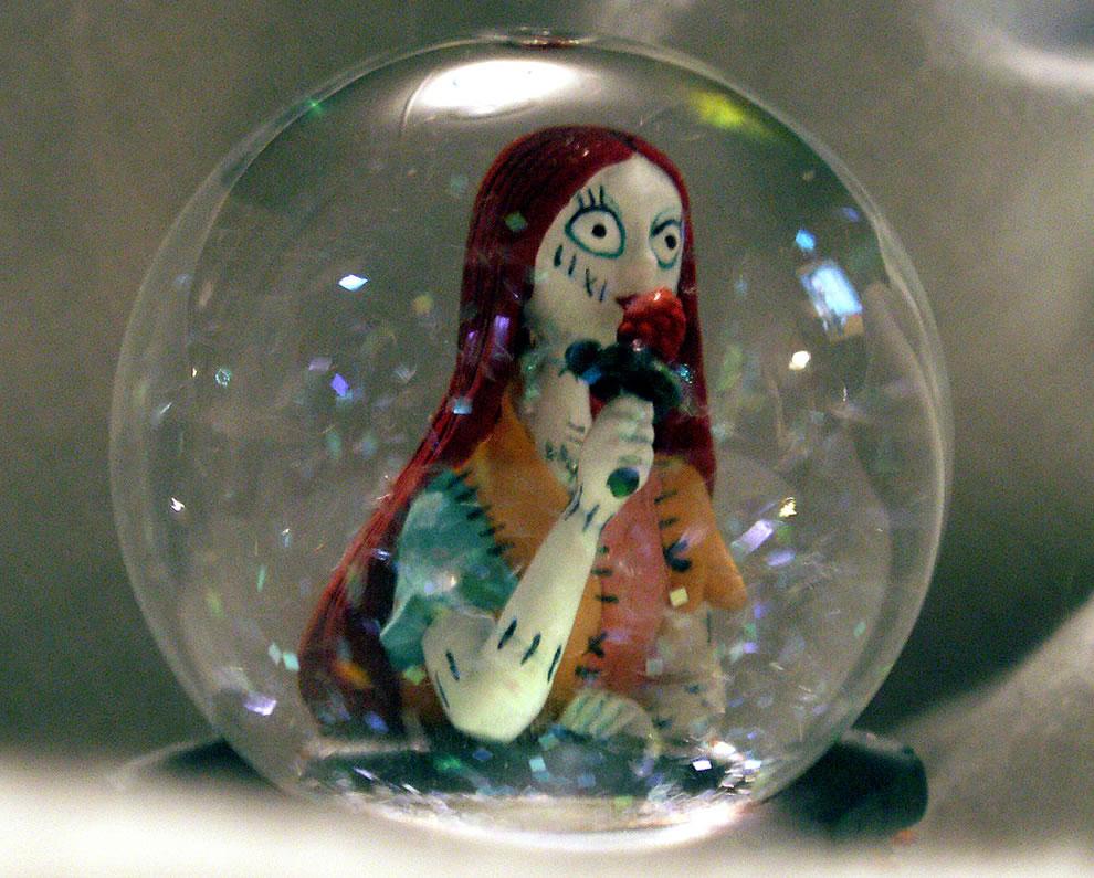 Sallie snow globe Nightmare Before Christmas Bubble
