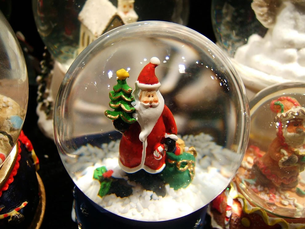 Santa Snow Globe at night in Birmingham