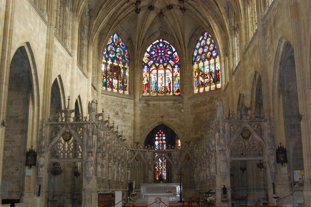 Condom, Gers, Midi-Pyrénées, France, Inside a church cathedral