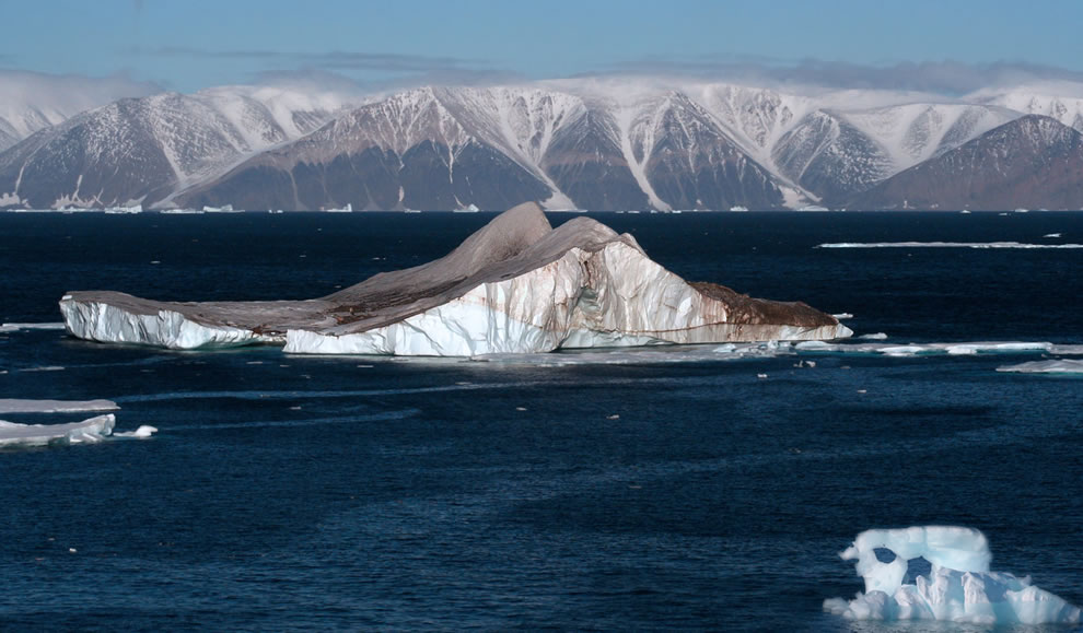 Icebergs in the High Arctic