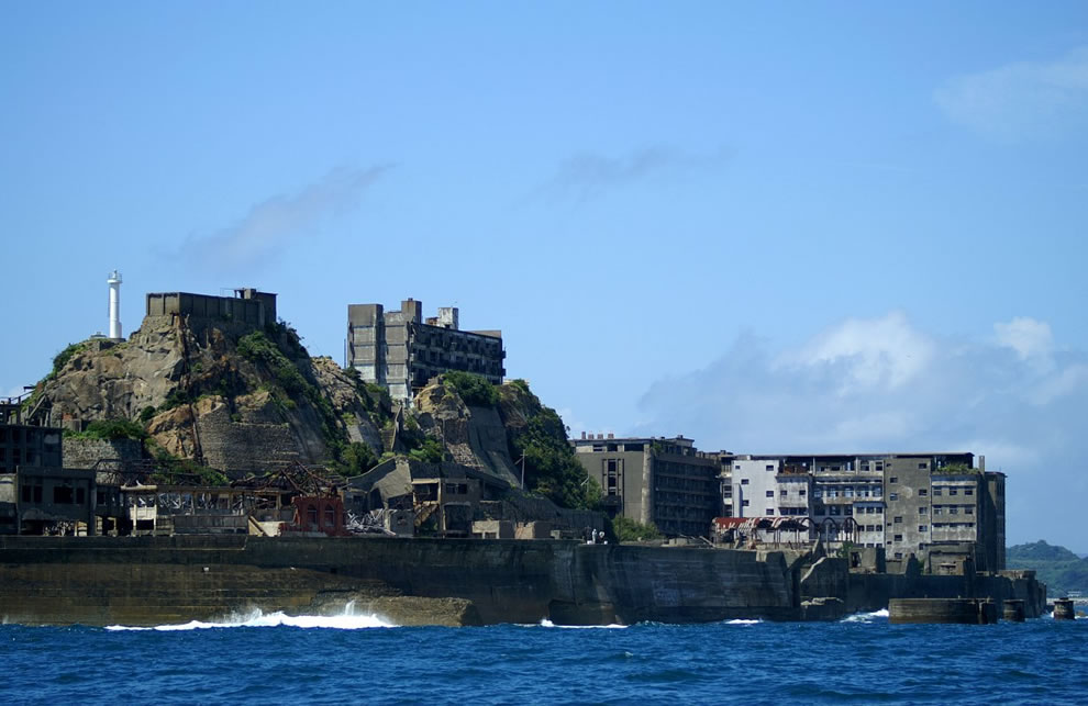 Industrial ruins of Hashima, James Bond Skyfall hacking headquarters