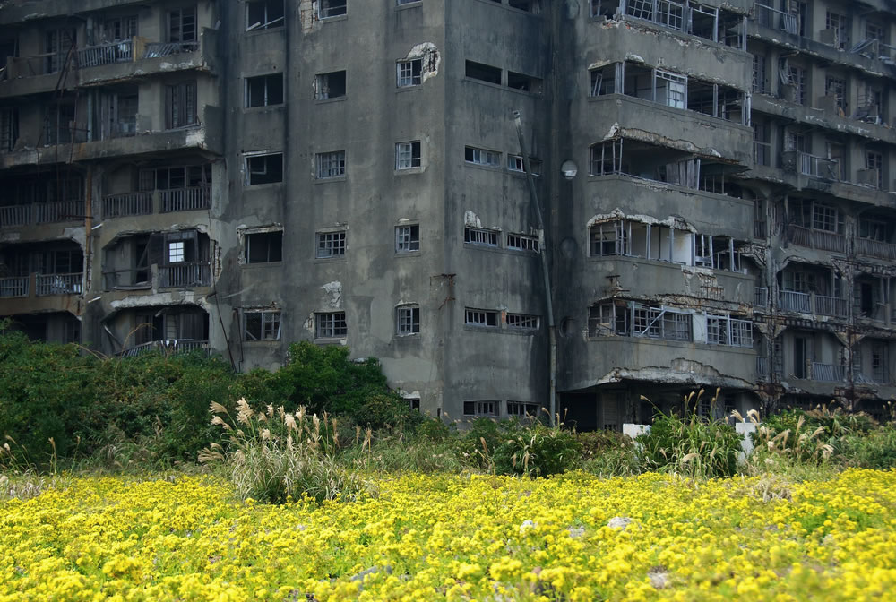 Life and death on Ghost Island, abandoned Hashima