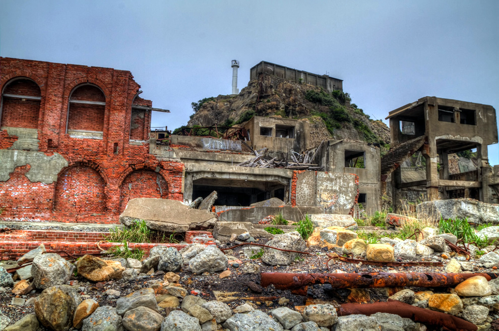 Nagasaki Hashima Island (端島) Gunkajima, inspiration for hacking headquarters of a 007 villain