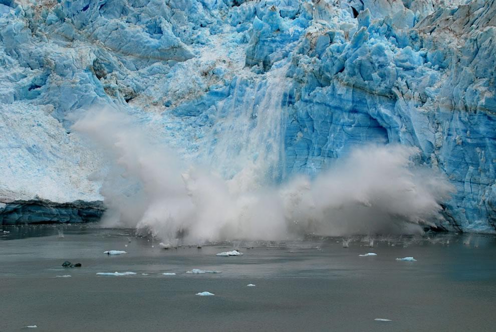 We have splash down, Glacier Bay glacier calving