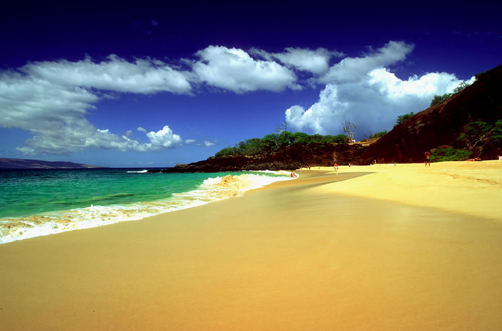 The Island of Maui ranks at 18 for the highest point for islands