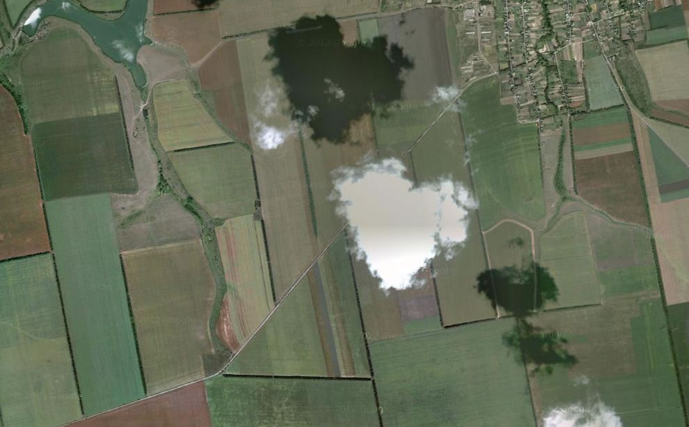 From above, heart-shaped cloud over Hlodosy, Ukraine (UA)