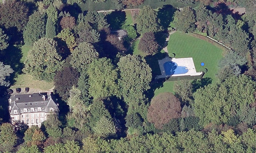 Heart-shaped swimming pool in Brussels, Belgium (BE)