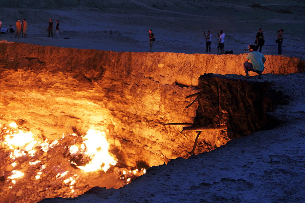 Derweze, 42 years later the Door to Hell gas deposit is still burning
