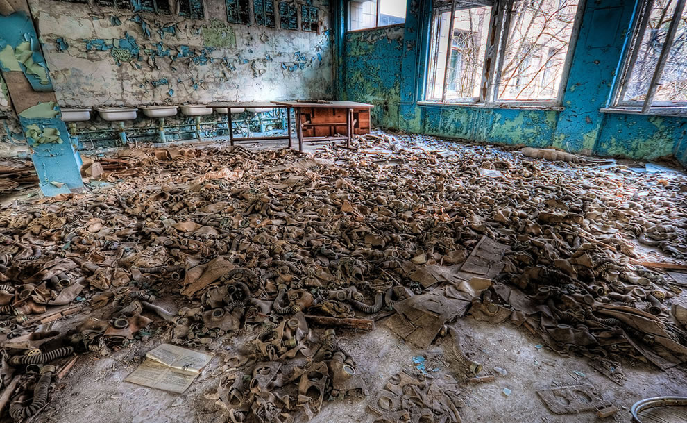 Gas Mask Floor 2009 Chernobyl zone of exclusion