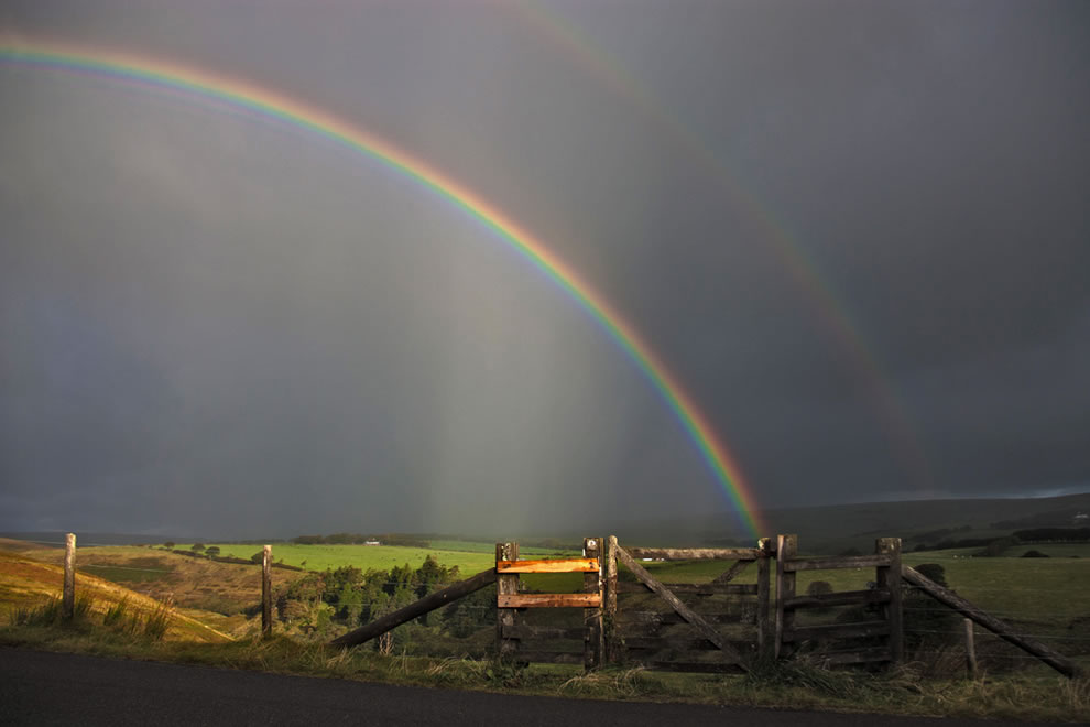 Double rainbow gate in England
