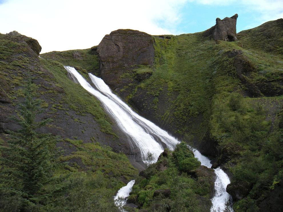 Systrafoss (Sister Falls) in Kirkjubæjarklaustur