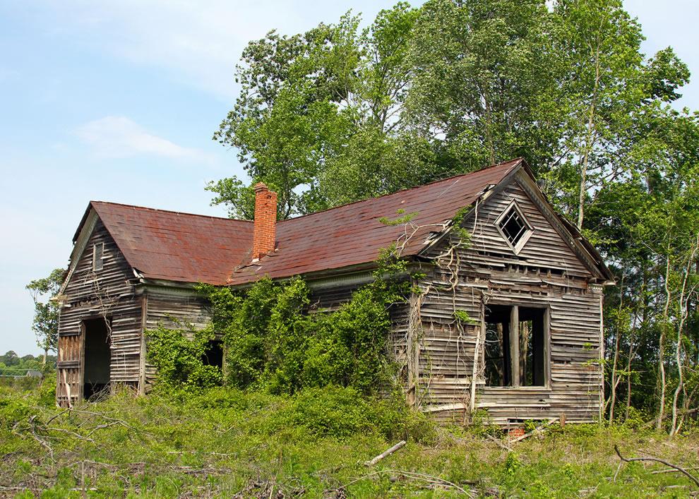 Abandoned Schoolhouse in Smithfield, Virginia