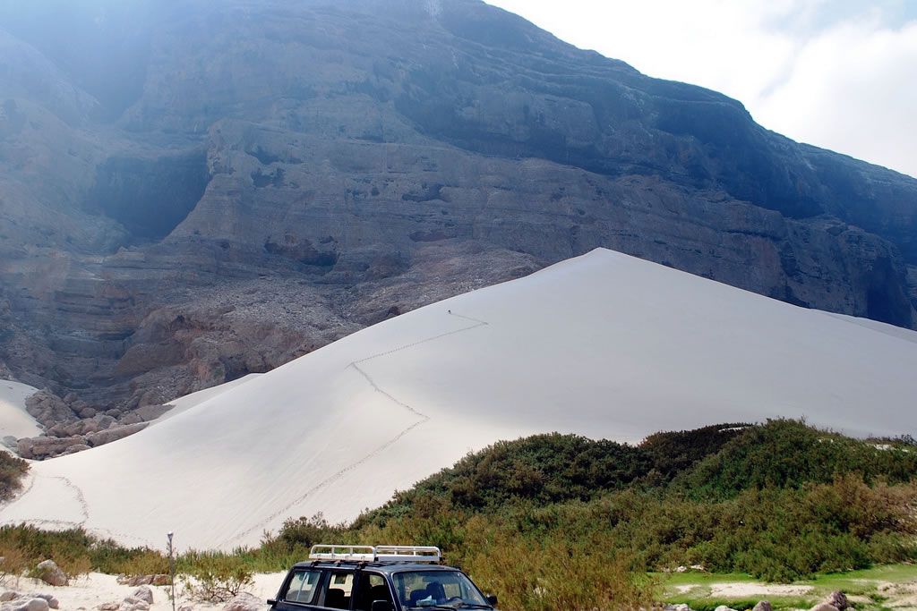 Arher dunes and Hoq cave