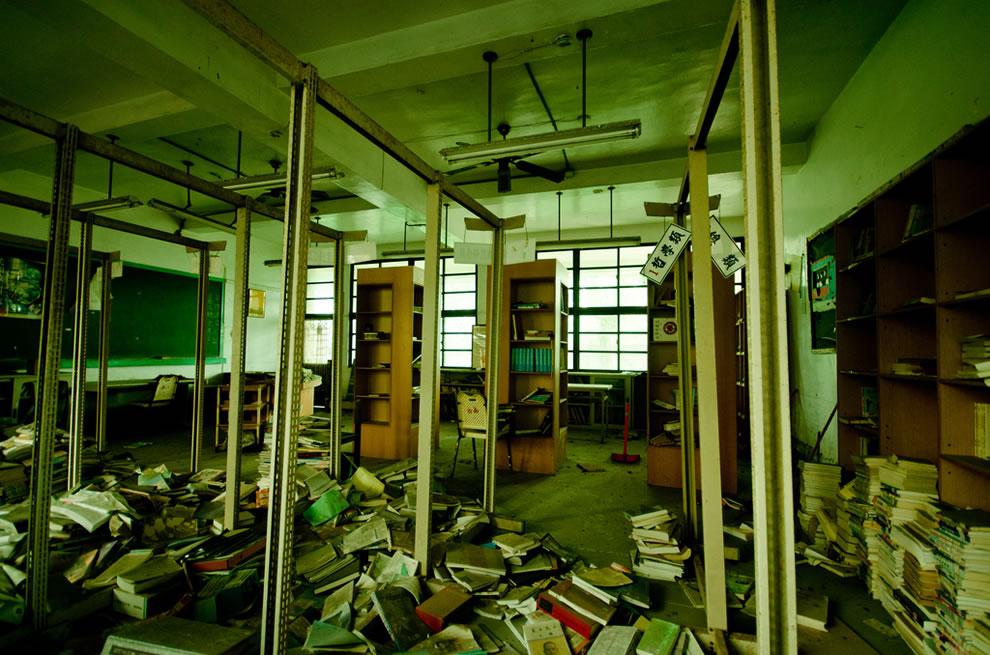 Inside Taiwan ruins of abandoned Chianan Home Economics Vocational High School