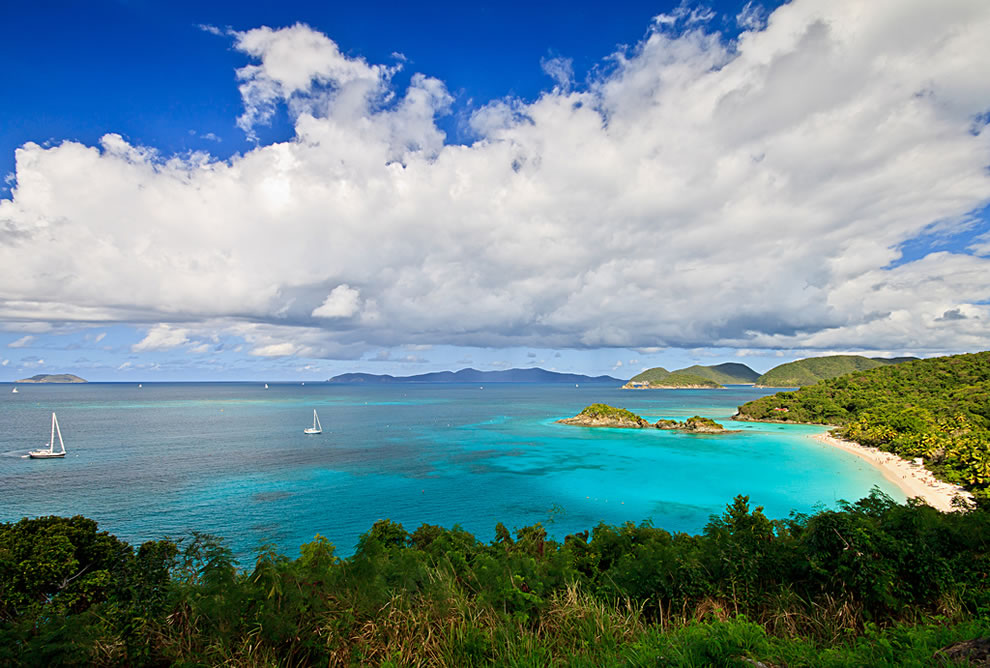 Virgin Islands National Park, Trunk Bay and the beach on Saint John, called the most beautiful beach in the world