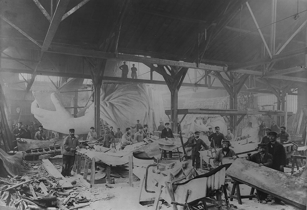 Winter 1882, Workmen constructing the Statue of Liberty in Bartholdi's Parisian warehouse workshop