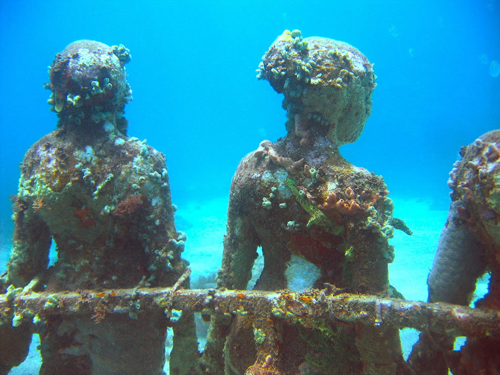 Artificial reef from underwater statues in Grenada