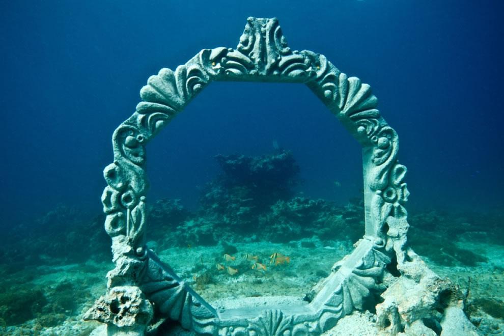 MUSA Cancun underwater park, sculptures by Karen Salinas Martínez