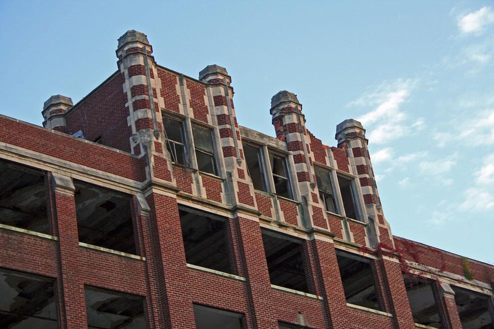 Massive gothic style Sanatorium, Tuberculosis hospital in Louisville