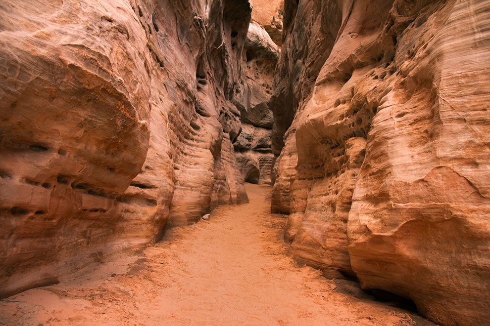 Valley of Fire White Dome Trail slot canyon