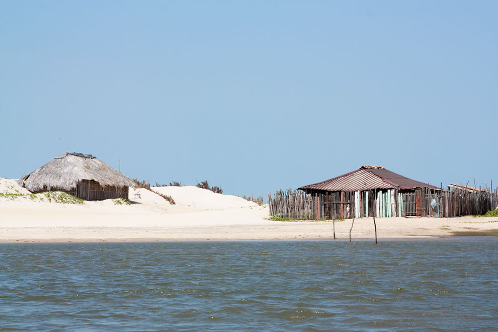 Between the river and the sky, lagoons in the Brazilian desert