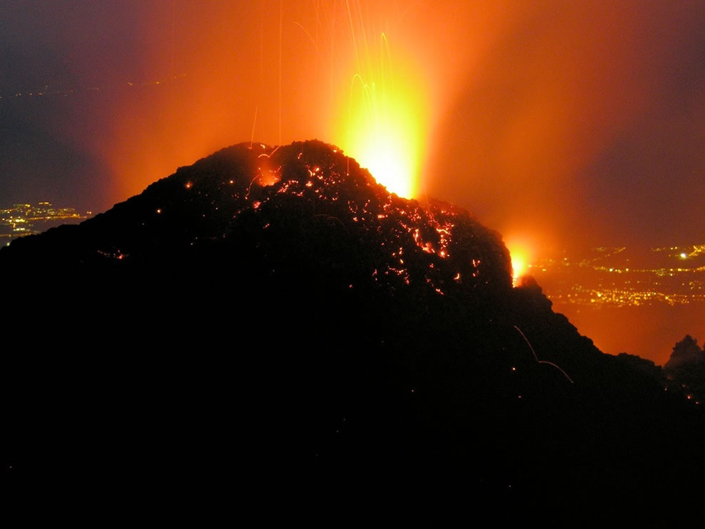 Etna erupting in January 2009
