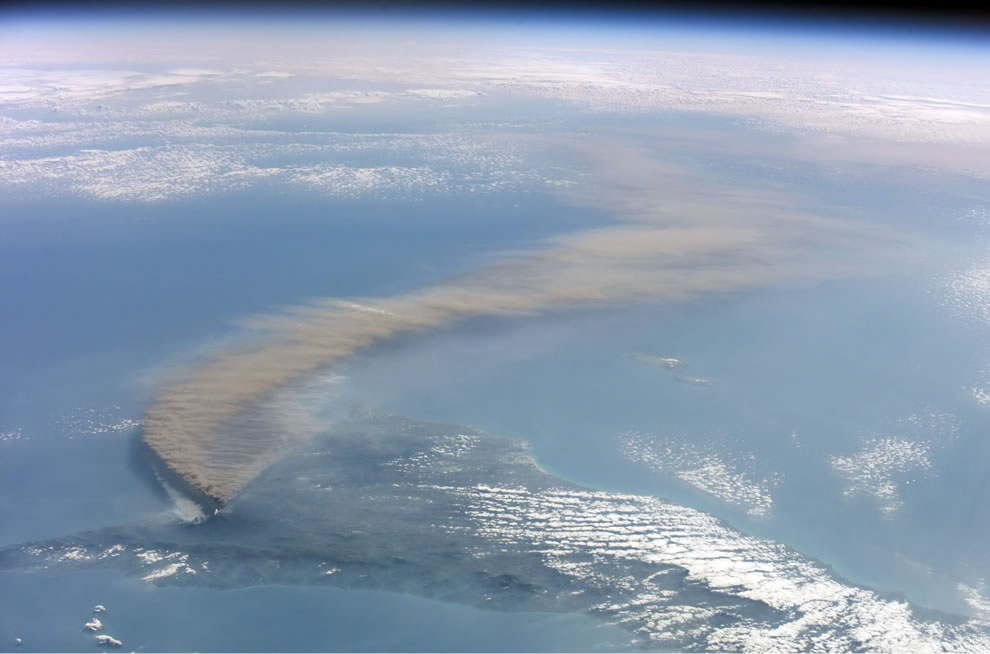 Smoke of Etna volcano seen from the International Space Station 2002