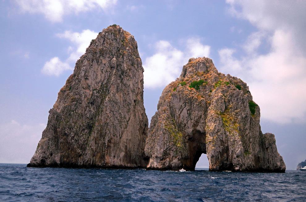 Capri 1st tunnel of love Faraglioni di Mezzo