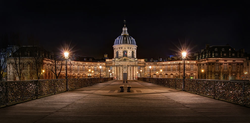 Institut de France and love padlocks in November 2014