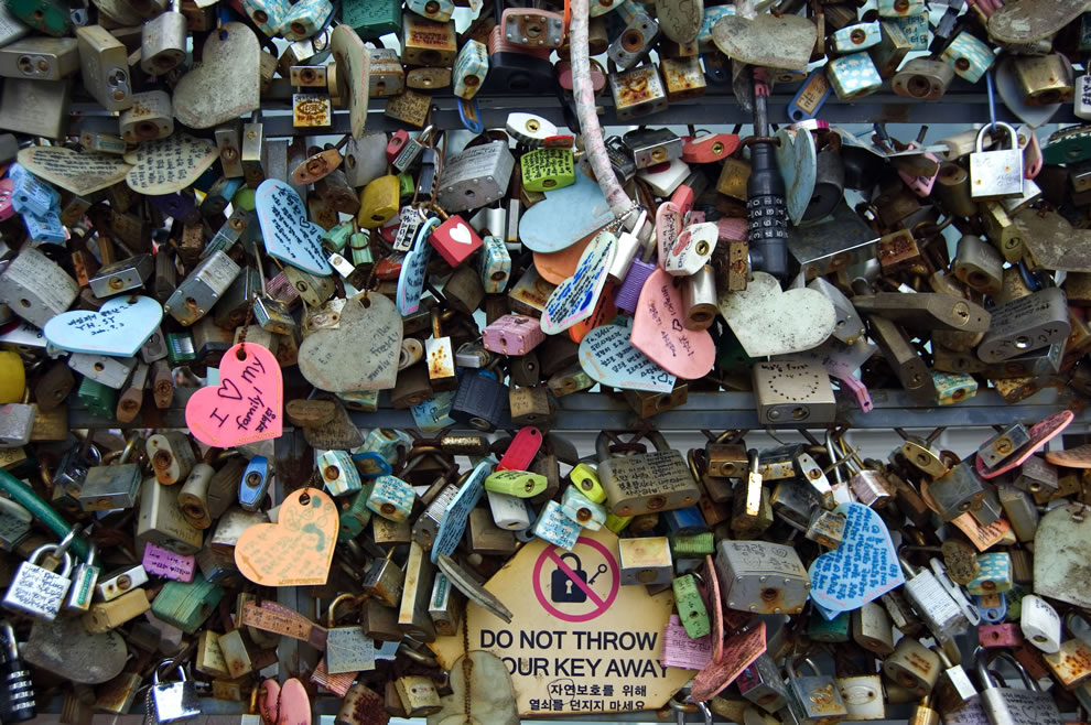 Padlocks and sign at the N Seoul Tower
