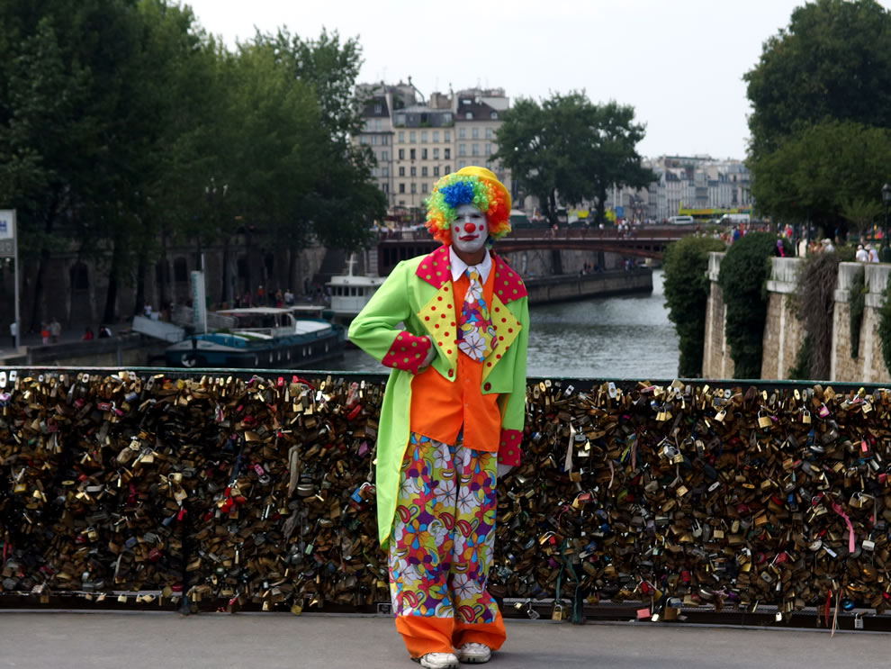 Some people's nightmare, clowns and love locks in Paris