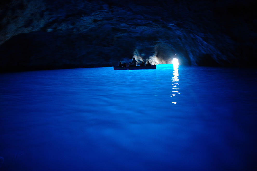 boating thru Blue Grotto