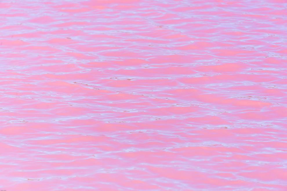 Pink waves in Australian pink lake